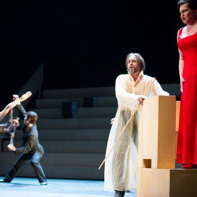 Poznań: Teatr Wielki | 2013 | Igor Stravinsky: Oedipus Rex | Iocasta: Agnes Zwierko | Oedipus - Jacek Laszczkowski | photo: Katarzyna Zalewska